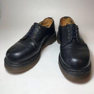 Dr. Martens Oxford in Black- Size 5